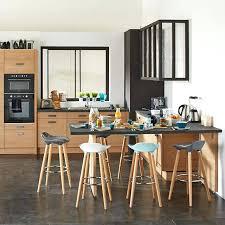 porte de la cuisine aux porte de la deco cuisine le bois sinvite dans la cuisine dans