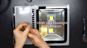 100 watt led vs 500 watt halogen floodlight comparison youtube