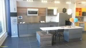 cuisine bois et metal chaise bois et metal cuisine bois et metal unique mur de briques