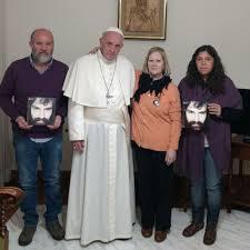 el papa recibió en el vaticano a la familia de santiago maldonado