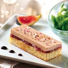 cuisiner foie gras frais recette de toast au foie gras sur gâche tranchée au beurre frais