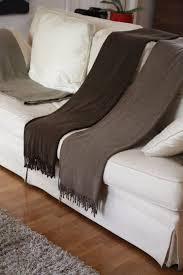plaid marron pour canapé plaid canap marron plaid en peluche effet velours pour le canap