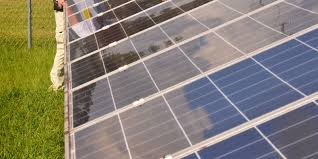 Solar Power Traffic Lights by Solar Power Helped Shelter Shine Through Irma