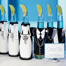 best wedding favors 10 best wedding favors for every type of wedding woman getting