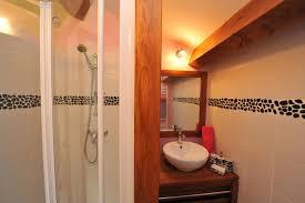 frise pour chambre salle de bain de la chambre d hôte romantique avec frise murale de