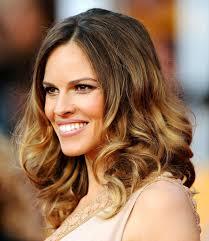 medium hairstyle with highlights women medium haircut