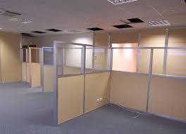 cloison bureau acoustique aménagement en faux plafond isolation acoustique de bureau espace