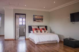 Laminate Flooring Durban Beachway Villa Guest Suites For Rent In Durban North Kwazulu