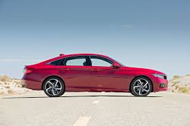 honda accord reviews specs u0026 2018 honda accord first test motor trend