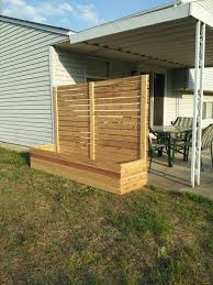 Trellis As Privacy Screen Privacy From Neighbors Landscape Screen Front Yard Lattice