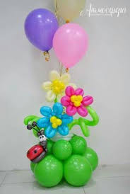balloon delivery westchester ny a qualatex balloon into bouquet of twisted balloon