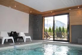 chambre d hote avec piscine int駻ieure location vacances gîte l edelweiss à taninges en haute savoie