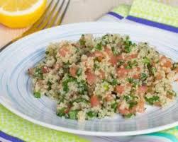 comment cuisiner le quinoa recettes recette de taboulé de quinoa aux raisins secs menthe et citron