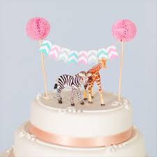 giraffe cake topper how to decorate marks spencer wedding cake by rock my wedding