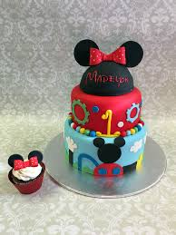 mickey mouse cake mickey mouse hat cake topper around the world in 80 cakes