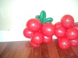 balloon delivery new orleans balloon decor strawberries some balloons