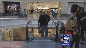 mall hours on thanksgiving new jersey u0027s largest mall to open thanksgiving abc7ny com