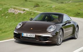 green porsche 911 2013 porsche 911 carrera 4 first look motor trend