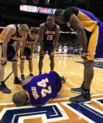 Kobe Bryant Injury Meme - kobe bryant injury tiger woods at masters jonathan winters a