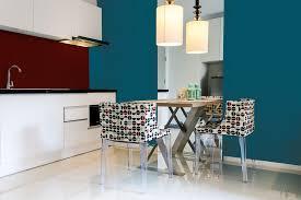 cuisine peinte mur de cuisine peint en bleu idées décoration intérieure farik us