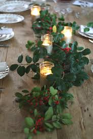 Christmas Dinner Centerpieces - decorating with holly for christmas dinner entertain pinterest