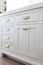 how to choose hardware for kitchen cabinets what size handles for kitchen cabinets pulls or knobs how to choose