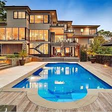 house with pool 3 benefits of deploying an effective social media strategy