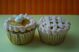 thanksgiving cup cakes pumpkin pie cupcakes the domestic rebel