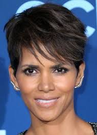 holly berry hairstyles in 1980 halle berry short straight casual pixie hairstyle with side swept
