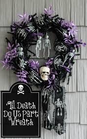 picture of a halloween skeleton til death do us part spooky skeleton wreath atta says
