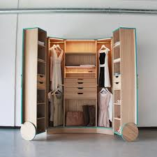 good solution for spacious storage with walk in closet home