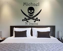 vinyl wall decals skull and swords personalized skull and swords personalized vinyl wall decal child060