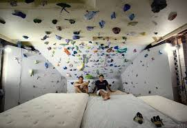 Bouldering  Lumio Corsica The World Is Full Of Climbers - Home rock climbing wall design