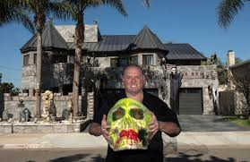 owner of huntington beach u0027s castle house is dead set on scaring