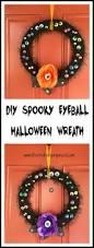 spooky eyeball halloween wreath googly eyes diy halloween and