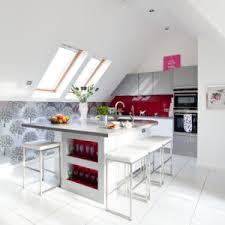 küche in dachschräge küchen mit dachschräge geschickt einrichten wohnung einrichten