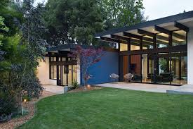 Mid Century House by Atrium House A Mid Century Architecture Residence By Klopf