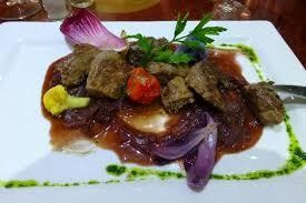 cuisine vin de onglet de veau sauce éclaottes et vin de bourgogne picture of