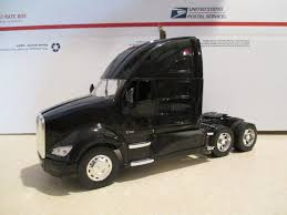 kenworth t700 new ray kenworth t700 t 700 semi tractor trailer diecast 1 32