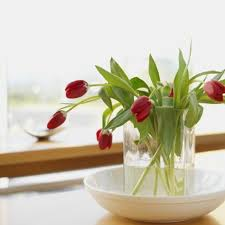 How To Take Care Of Flowers In A Vase How To Make Tulips Stand Up In The Vase Hunker