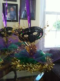 mardi gras feather boas 114 best mardi gras images on mardi gras party table