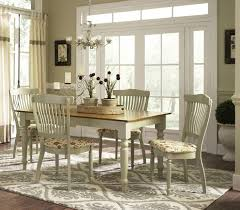 Country Dining Room Decor With Country Decor Accessories - Country dining room decor