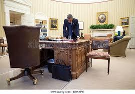 oval office desk stock photos u0026 oval office desk stock images alamy
