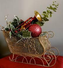 christmas table decorations centerpieces the 25 best christmas table cloth ideas on burlap