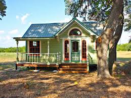amazing tiny homes best 25 modern bungalow house ideas on pinterest german chalet