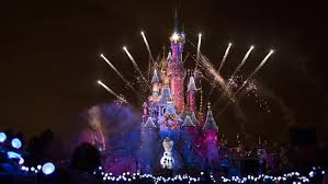 How Long Does Disney Keep Christmas Decorations Up Christmas At Disneyland Paris Disneyland Paris Events
