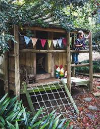 Backyard Playhouse Ideas 15 Amazing Diy Backyard Playhouses And Treehouses