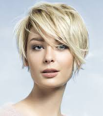 coupes cheveux courts les coupes des cheveux courts coupe cheveux court fille coiffure