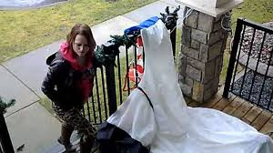 what won me over was her stupidity u0027 thief caught on camera ctv