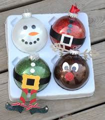 did you you can make glitter ornaments with pledge